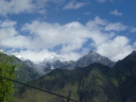 Hemkund Sahib is behind this peak